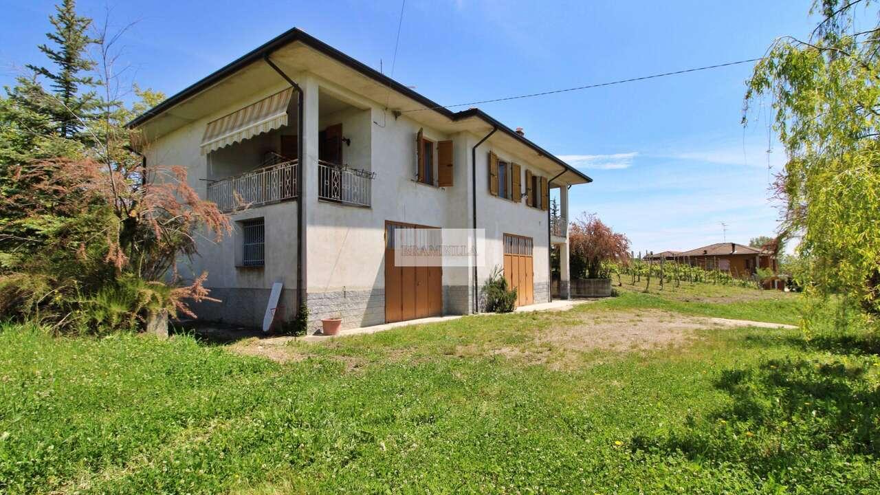 Colli Verdi – Località Casa Vannone – Villa su due piani