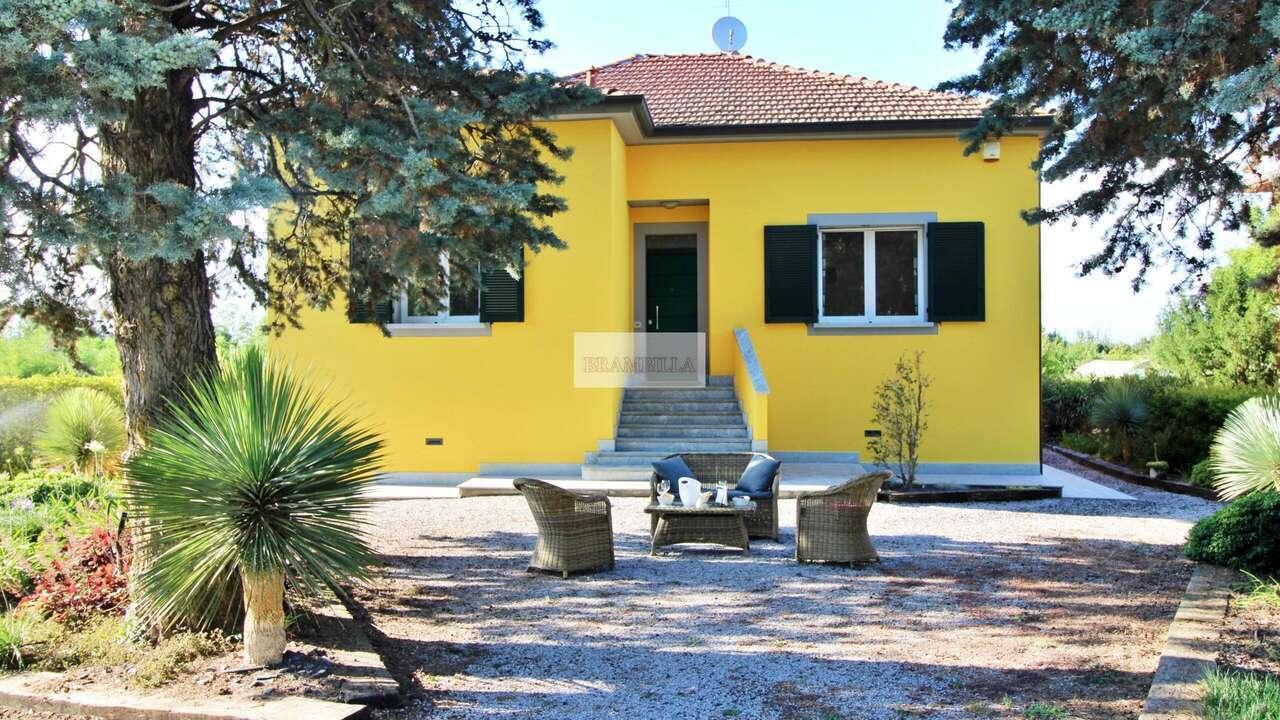 SANTA GIULETTA – Pavia – Villa ristrutturata con ampio giardino
